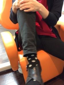 膝の関節を回す