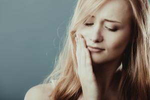 右顎の痛み